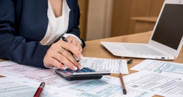 How To Grow Your Business With The Help of An Accountant